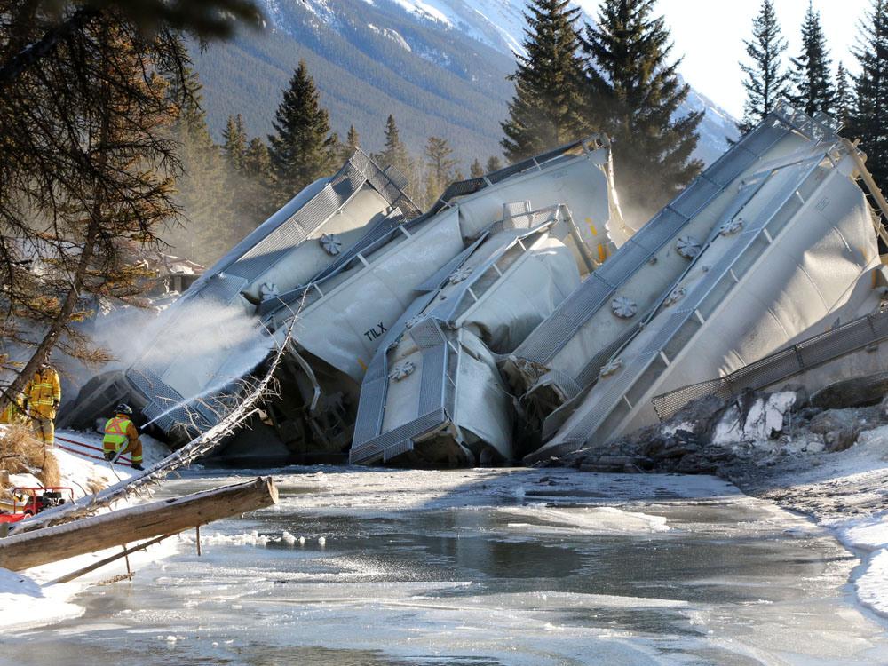 railroaded-cp-derailment-image-banff-np-